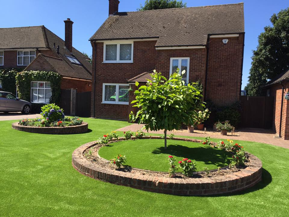 west-london-artificial-grass-feature