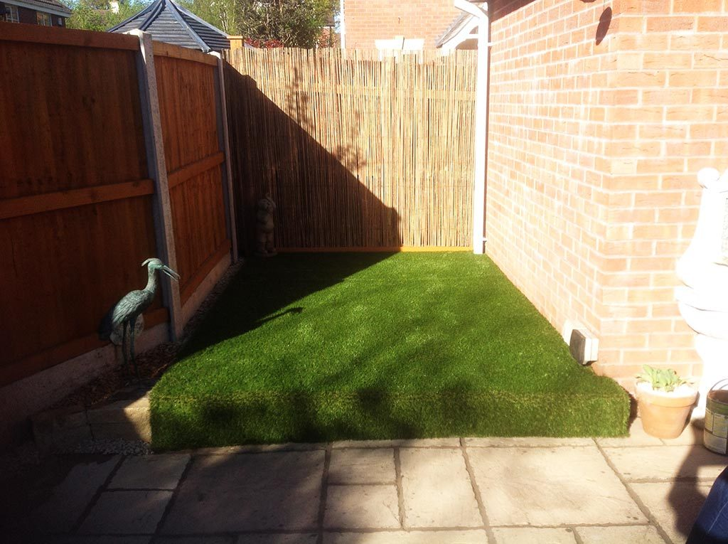 Stratford Artificial Grass Over Decking