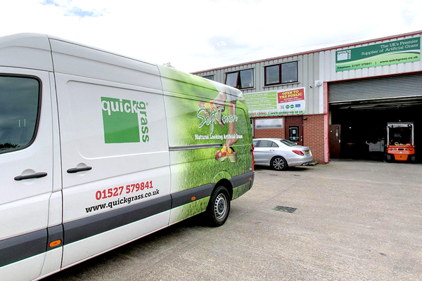 artifical grass delivery for trade customers