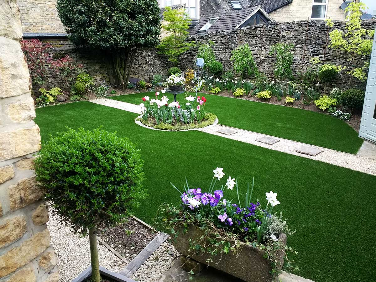Install in Stow-on-the-Wold by Supergrass